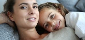 5 Advantages & 5 Disadvantages Of Single Parenting