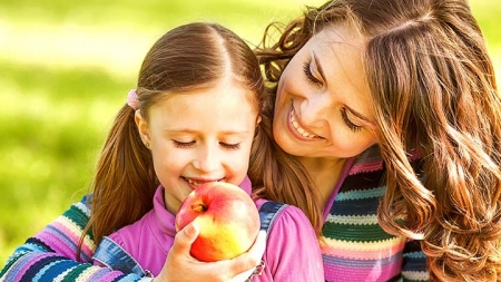 7 Health Benefits Of Apple For Kids