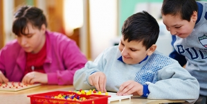 18 Interesting Games and Activities For An Autistic Child