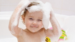 13 Simple Tips To Wash Your Toddler's Hair