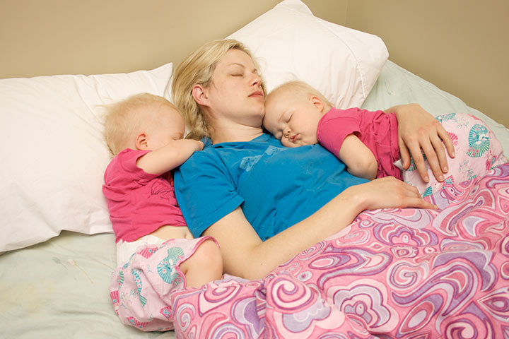 8 Effective Tips To Put Your Twins To Sleep