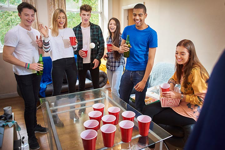 10 Fun & Entertaining Things To Do On The Weekend For Teenagers