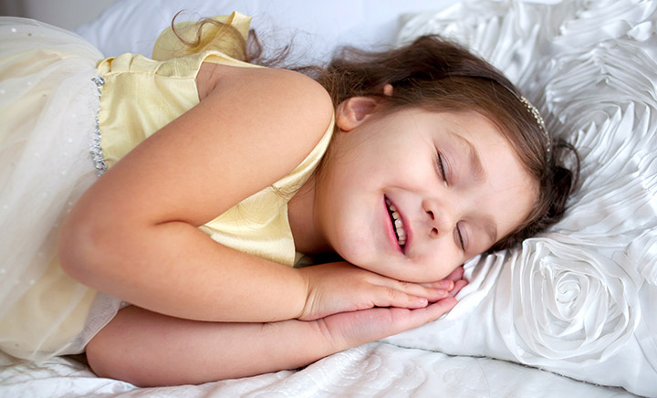 7 Effective Tips To Deal With Sleep Talking In Kids